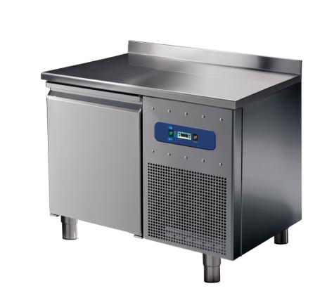 Kylbänk 1 dörr uppvikt bakkant GN 1/1 temperaturområde:  -2°/+8